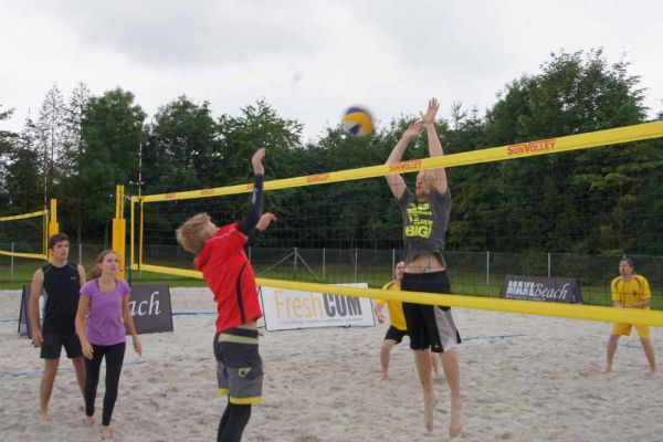 1-welser-beach-stadtmeisterschft-quattro-1-20150620-15382701095A5C7BA7-37BC-2BA3-C223-8A5EC7B9D960.jpg