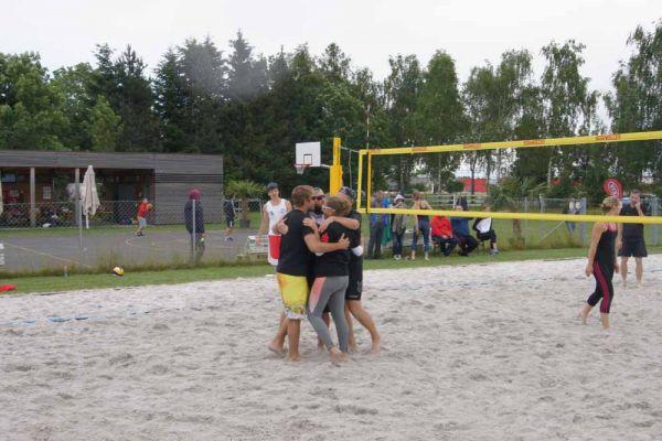 1-welser-beach-stadtmeisterschft-quattro-10-20150620-194604903209103A31-BC34-76A3-E688-3D2998D1D377.jpg