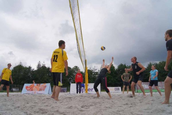 1-welser-beach-stadtmeisterschft-quattro-3-20150620-11536566169AA693ED-6E26-A05B-EE3E-D8B9CBEAA9AD.jpg
