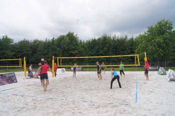 1-welser-beach-stadtmeisterschft-quattro-4-20150620-133794123058E7EE94-AE60-0F5E-AF2F-B906E9A994B1.jpg