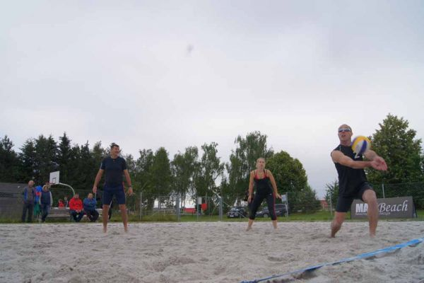 1-welser-beach-stadtmeisterschft-quattro-4-20150620-15498564743B50ACB7-503A-9B1F-9B55-3F4FFD5BCD8F.jpg