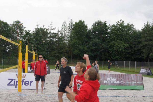 1-welser-beach-stadtmeisterschft-quattro-6-20150620-12319039654EE58FC8-10CA-48AF-7CC4-9DCC788F280D.jpg